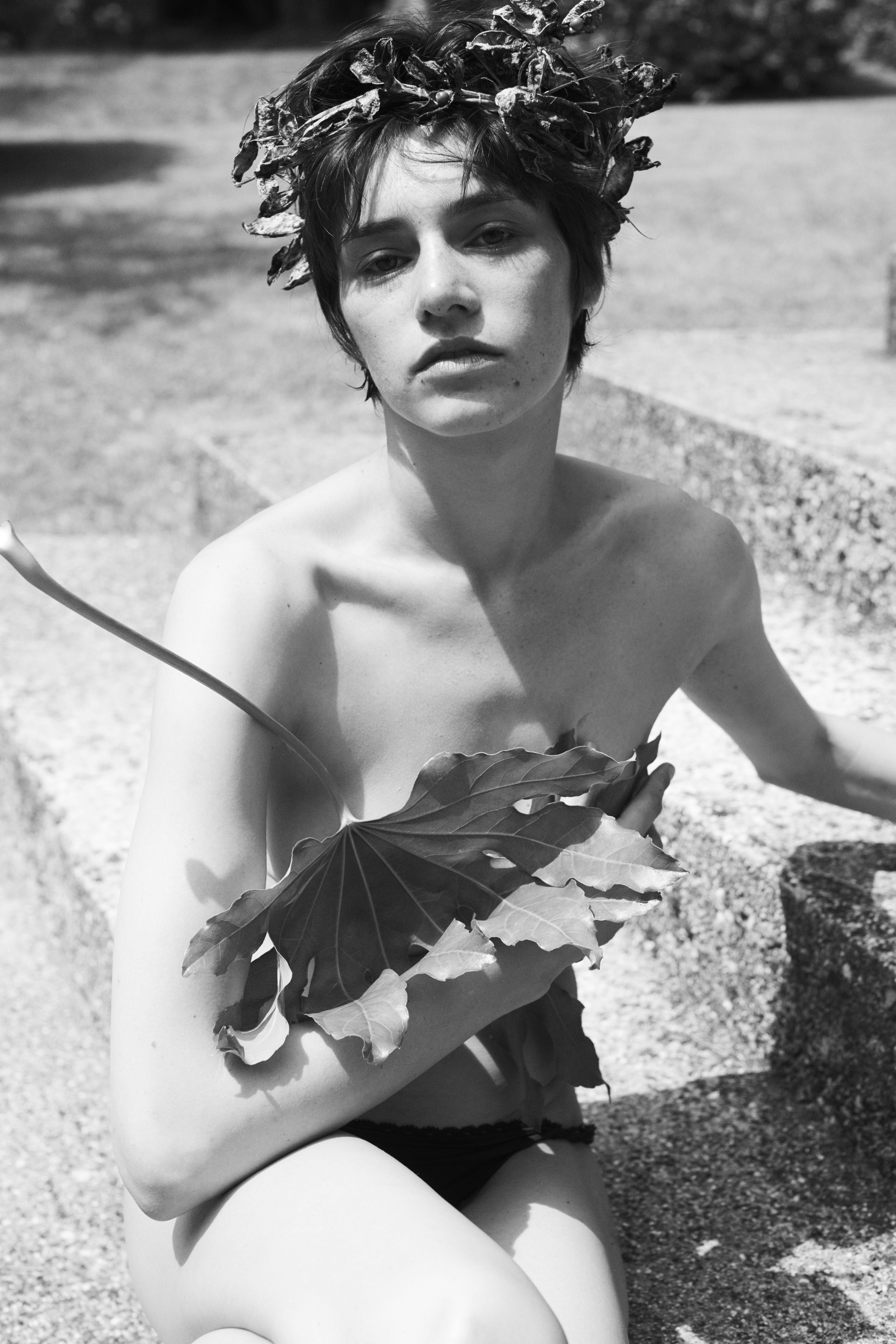 Tanya Jones for 10Magazine (ph. Stefano Galuzzi)